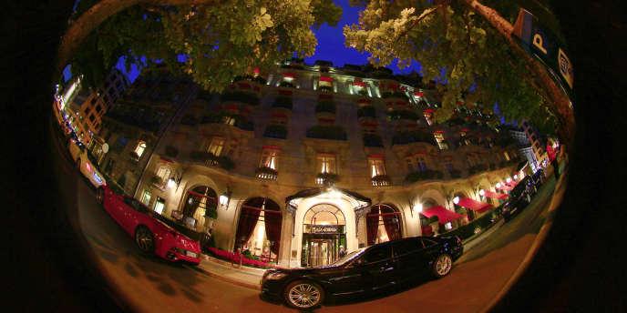 vue du Plaza Athénée, à Paris.