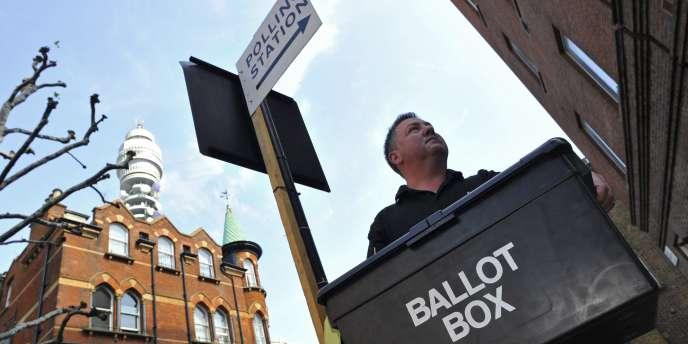 Environ 46 millions d'électeurs sont appelés à se prononcer pour l'adoption d'un mode de scrutin alternatif.