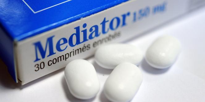 Retiré du marché en novembre 2009, le Mediator serait responsable de 500 à 2 000 décès. Cinq millions de personnes en ont pris.