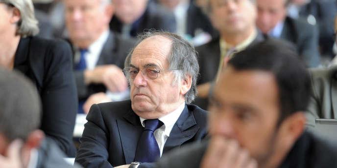 Noël Le Graët, le 28 octobre 2010, lors des Etats généraux du football français, à Paris.