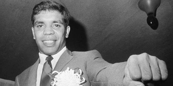 Lionel Rose, premier boxeur aborigène champion du monde, est décédé.