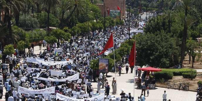 Le 8 mai, des milliers de manifestants se sont rassemblés à Marrakech pour demander la poursuite des réformes.