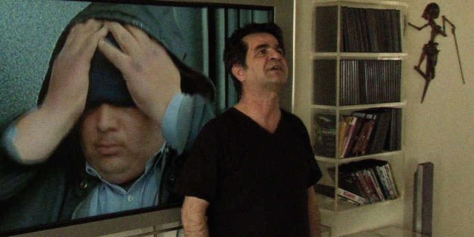 Le réalisateur Jafar Panahi dans le film documentaire iranien de Mojtaba Mirtahmasb,
