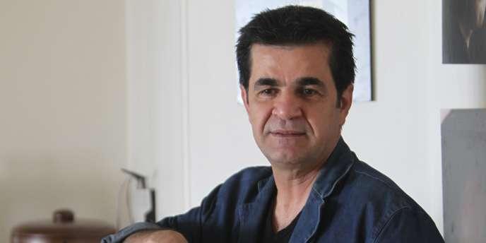 Le réalisateur iranien Jafar Panahi lors d'une interview à Téhéran en août 2010.