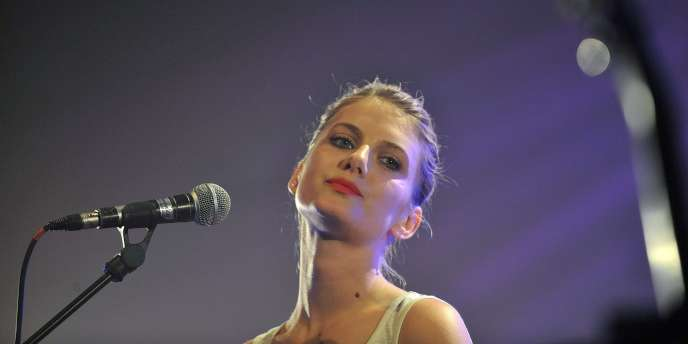 L'actrice et chanteuse Mélanie Laurent en concert au Printemps de Bourges, le 24 avril 2011.