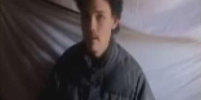 Capture d'écran d'une vidéo diffusée par les talibans montrant Colin Rutherford, un Canadien âgé de 26 ans.