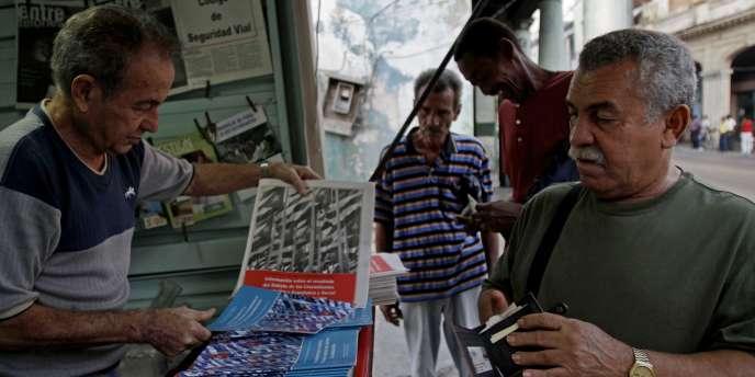Un document expliquant les réformes approuvées par le parti communiste a été publié et mis en vente à Cuba.
