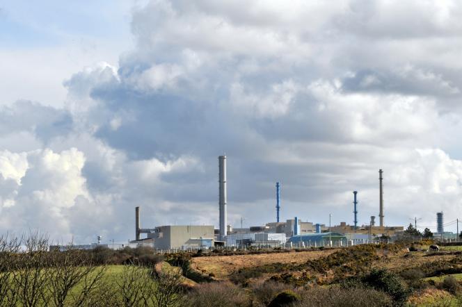 Le site de retraitement d'Areva à la Hague (Manche). L'industriel est épinglé pour son retard à traiter et reconditionner des déchets anciens.