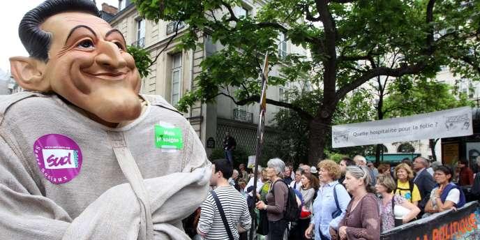 Plusieurs centaines de personnes ont manifesté contre le projet de loi, mardi après-midi.