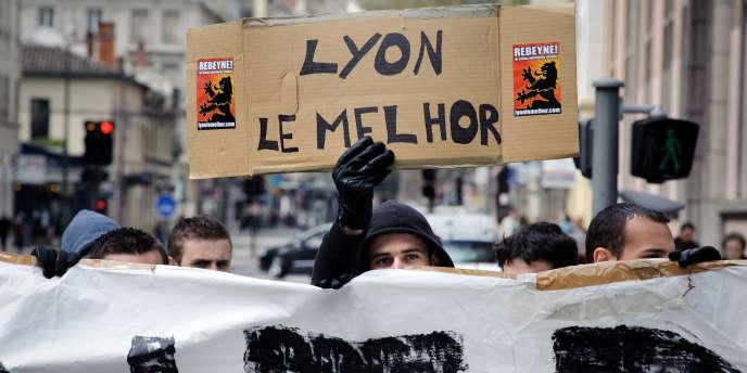 Défilé des Jeunesses identitaires, le 8 avril 2009 à Lyon.