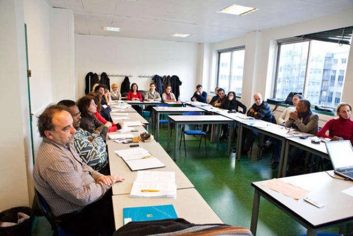 Des stagiaires en formation continue à l'université Paris-Dauphine.