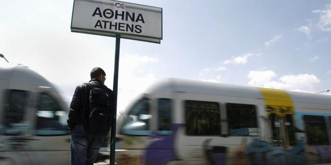Les ferries assurant les dessertes des îles sont restés à quai, et les trains en gare, en raison de la grève générale, mercredi.