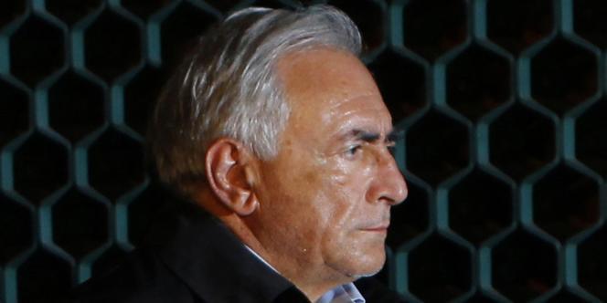 La nouvelle de la garde à vue de Dominique Strauss-Kahn, à New York, pour agression sexuelle a sidéré les militants du PS, dimanche 15 mai.