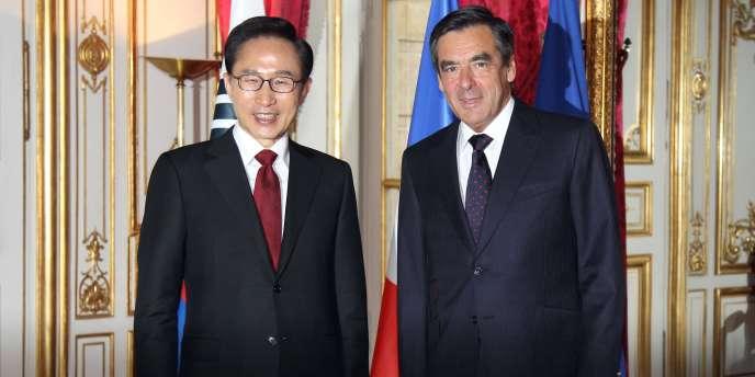 Lee Muyng-Bak, le président sud-coréen, et François Fillon, le 13 mai 2011 à Paris.