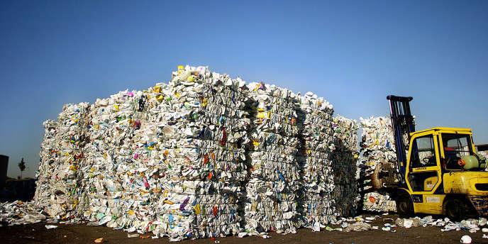 La quantité de déchets collectés en Ile-de-France est repartie à la hausse en 2011, passant de 475 à 483 kg par habitant. Une tendance nationale.