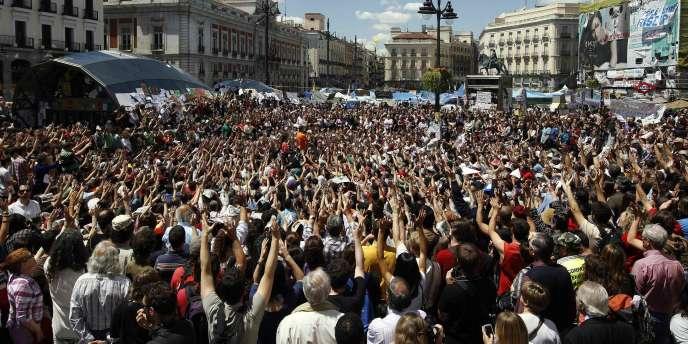 Sur la Puerta del Sol, à Madrid, le 15 mai 2011, date de naissance du mouvement des