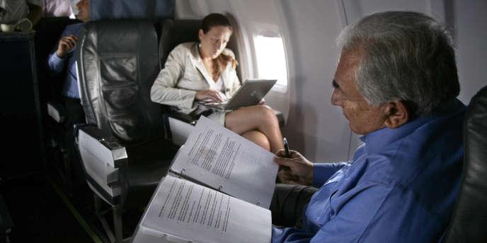Dominique Strauss-Kahn et son attachée de presse Anne Hommel, en mai 2009.