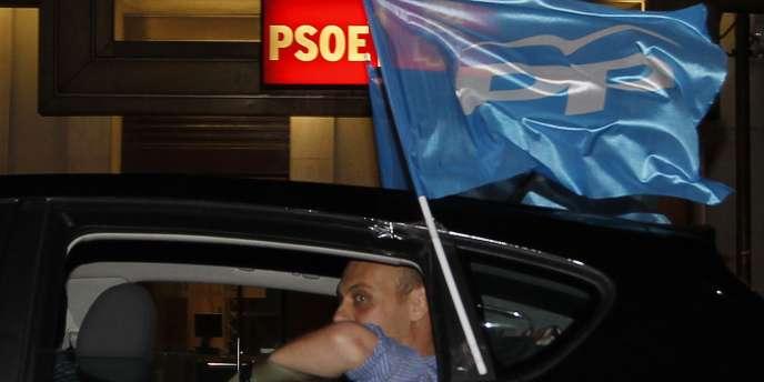 L'écart de presque dix points avec le Parti populaire (PP), conservateur, sanctionne les socialistes à dix mois des législatives de mars 2012.