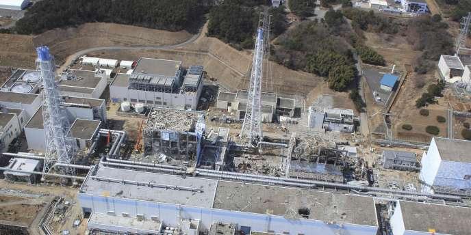 Photo aérienne de la centrale de Fukushima Dai-Ichi, le 24 mars 2011.
