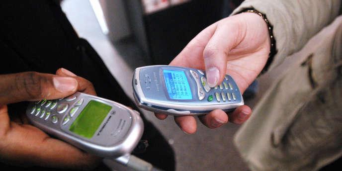 Pour concurrencer Lycamobile et Lebara, les deux leaders du marché ,SFR lance, le 12 juin, Buzz Mobil, un opérateur mobile virtuel (sans réseau) à vocation