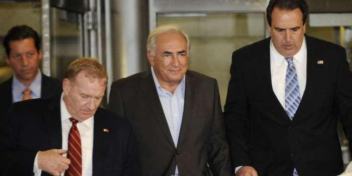 Un juge de New York a approuvé le changement d'adresse de Dominique Strauss-Kahn à Manhattan.