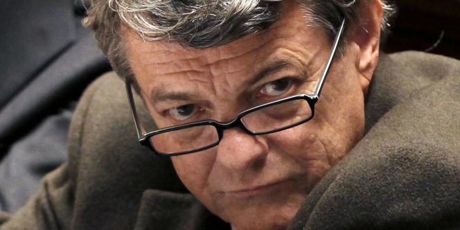 Au centre, Jean-Louis Borloo, président de l'UDI, regrette « que les embryons de mesures annoncées quant à ce nouveau pacte de responsabilité n'aient que pour seul horizon 2017 ».