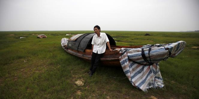 La sécheresse affectant le bassin du Yangtsé exacerbe la pollution déjà préoccupante des lacs et affluents du plus grand fleuve de Chine.
