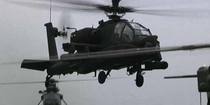 Un hélicoptère Apache britannique sur des images diffusées par le gouvernement britannique.