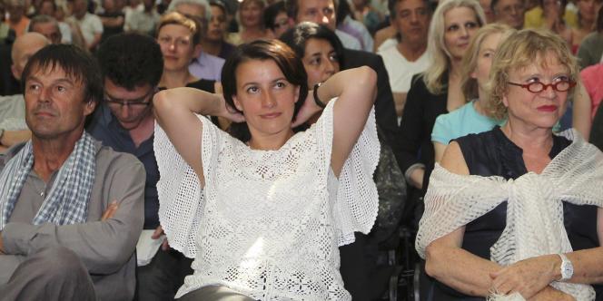 Sans surprise, Cécile Duflot a été aisément réélue au poste de secrétaire nationale d'Europe Ecologie-Les Verts (EE-LV) pour la troisième fois, samedi 4 juin, avec 92,7 % des voix des quelque 600 délégués réunis en congrès à La Rochelle.