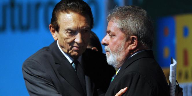 Le ministre des mines et de l'industrie brésilien, Edson Lobao, en compagnie de l'ancien président Lula, le 31 août 2009.
