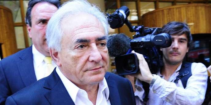 Dominique Strauss-Kahn comparaît vendredi 1er juillet devant la justice des Etats-Unis dans le cadre de l'enquête pour crimes sexuels dont il fait l'objet, a annoncé jeudi 30 juin le bureau du procureur de New York.