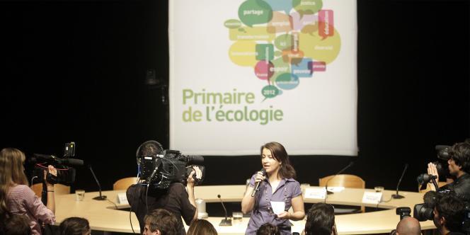 Cécile Duflot ouvre le débat entre les candidats à la primaire écologiste, à Toulouse, le 6 juin.