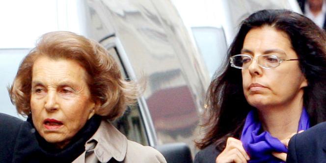 Liliane Bettencourt et sa fille, Francoise Bettencourt-Meyers, le 6 juillet 2007 à Paris.