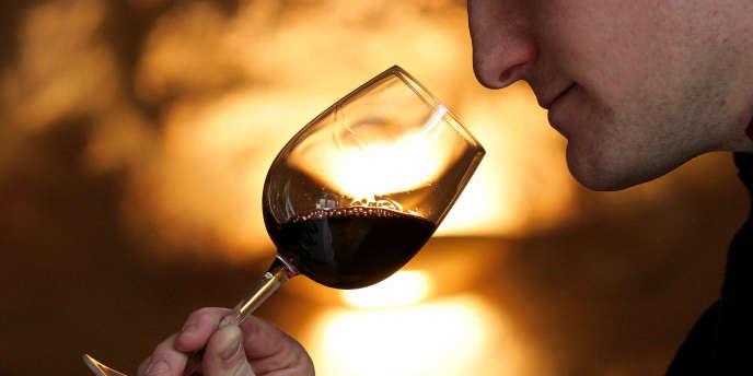 Une étude menée par des chercheurs de l'Université de l'Illinois montre que consommer un verre d'alcool peut aider à