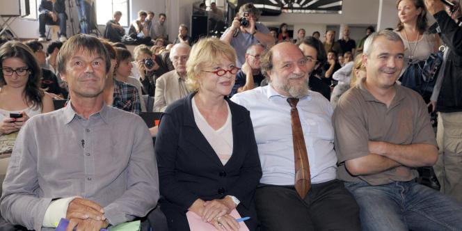Nicolas Hulot, Eva Joly, Henri Stoll et Stéphane Lhomme, pour le deuxième débat de la primaire écologiste, le 9 juin à Paris.