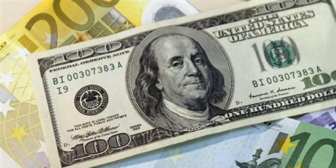 Au moins une douzaine de courtiers en devises étrangères ont été suspendus par les régulateurs à Londres, Tokyo et New York.