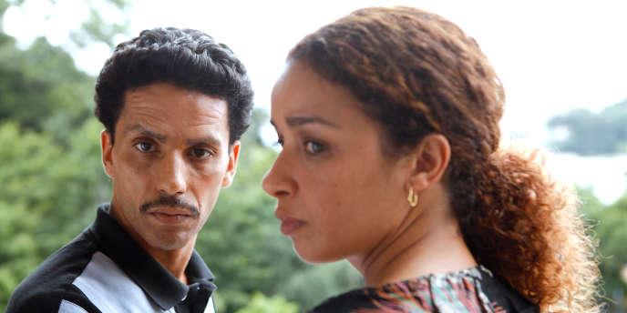 Sami Bouajila et Nozha Khouadra dans le film français de Roschdy Zem,