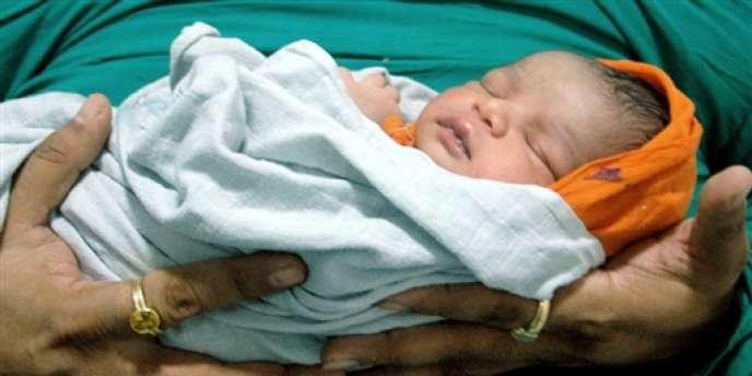 La jeune femme risque la perpétuité si l'autopsie révélait que l'enfant était vivant ou viable à la naissance.
