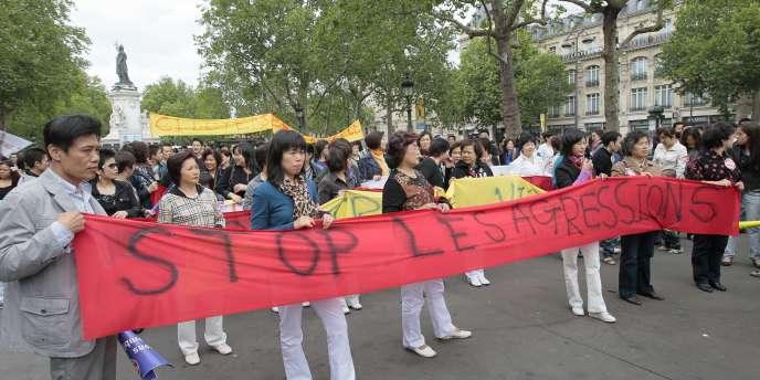 Des Chinois manifestent contre l'insécurité dimanche 19 juin à Paris.