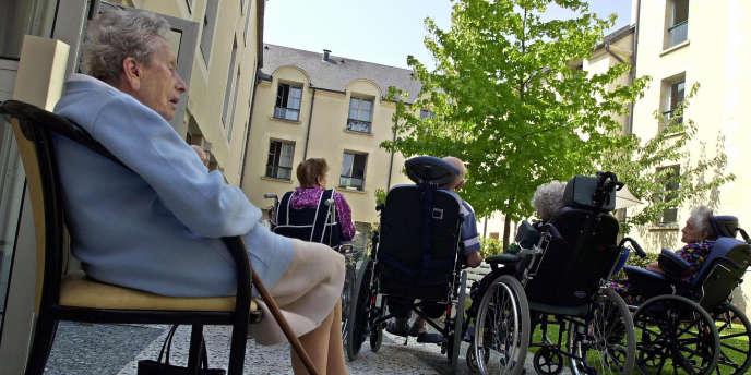 Les résidences pour seniors font partie de la famille des résidences de services. Depuis quelques années, elles connaissent un succès grandissant auprès de personnes désireuses de réaliser un investissement locatif pour se procurer un complément de revenus.