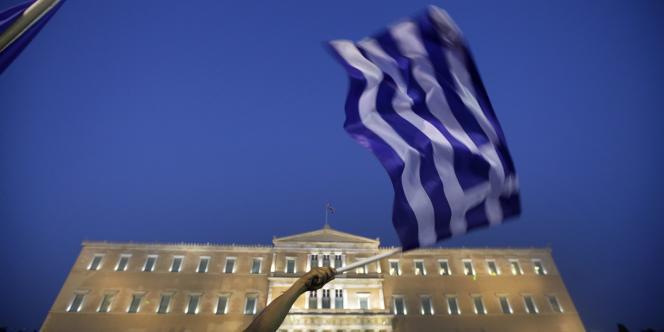 Ce vote de confiance est la condition sine qua non pour obtenir l'aide financière du FMI et de l'UE.