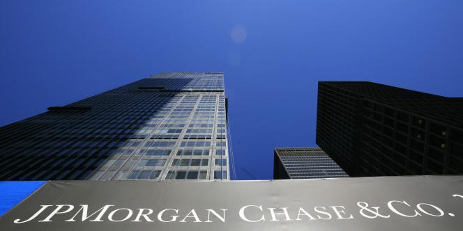 La banque américaine JPMorgan Chase a chiffré, vendredi 13 juillet, ses pertes de courtage liées aux dérivés de crédits à 4,4 milliards de dollars.
