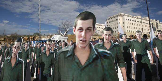 Manifestation demandant la libération de Gilad Shalit devant les bureaux du premier ministre israélien, le 21 décembre 2009.