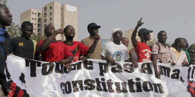 Des milliers de Sénégalais ont manifesté jeudi 23 juin contre le projet de réforme voulu par le président Wade.