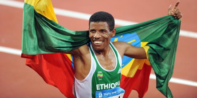 Haile Gebreselassie après sa victoire aux 10 000m des JO de Pékin, en 2008.