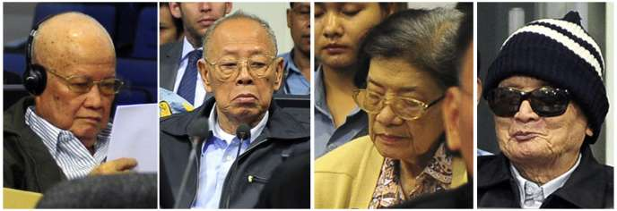 De gauche à droite : Khieu Samphan, ancien président du Kampuchea démocratique, Ieng Sary, ancien ministre des affaires étrangères, Ieng Thirith, ex-ministre des affaires sociales, et Nuon Chea, le