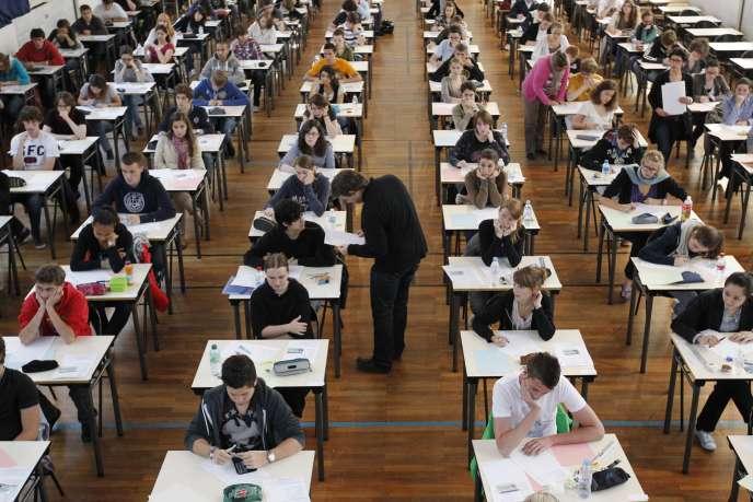 Aujourd'hui, près d'un tiers des 2 250 lycées à filières générales, soit 750 établissements, envoient moins de 7 % d'élèves en classes préparatoires.
