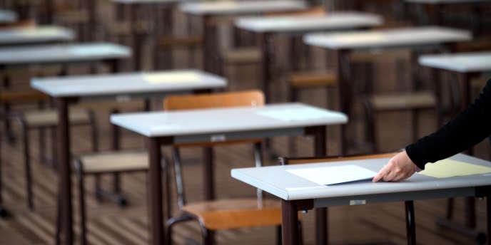 Les concours réservés permettent aux enseignants de faire valoir leur expérience professionnelle pour décrocher la titularisation. Un dispositif qui doit permettre, sur quatre ans, de titulariser quelque 10 000 contractuels.