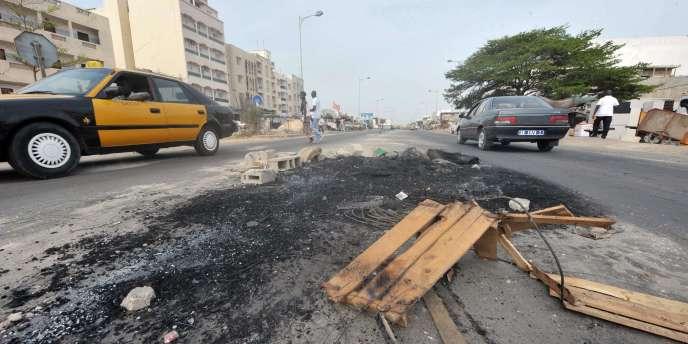 Les habitants de Dakar et de ses banlieues sont excédés par les coupures d'électricité de plus en plus longues et fréquentes.