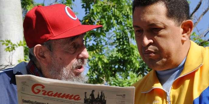 Le journal de la télévision cubaine a montré des images vidéos et des photos de Chavez, portant un blouson aux couleurs du drapeau de son pays, debout dans un jardin ou assis dans une chambre toujours en conversation avec le leader de la révolution cubaine.